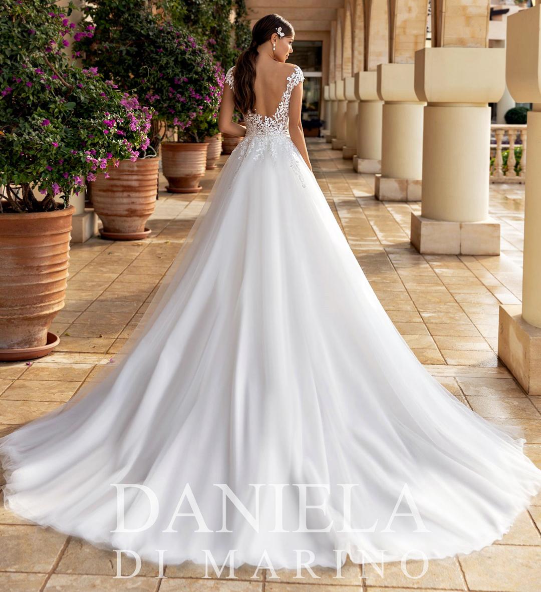 Robe de mariée 6312 - Sybelle en blanc Reims
