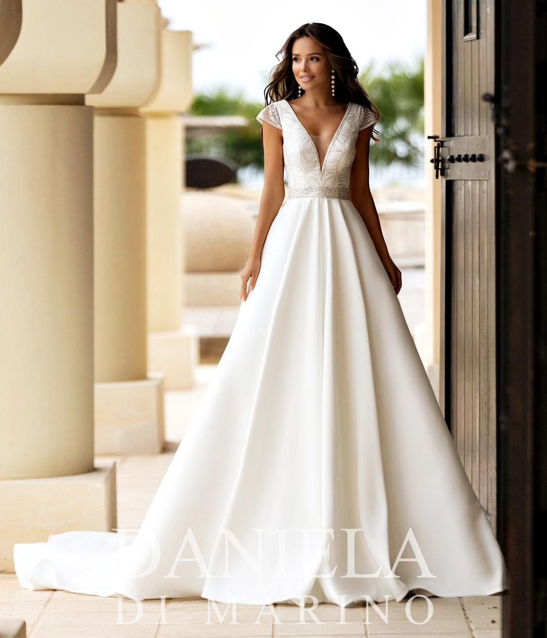 Robe de mariée 6313 - Sybelle en blanc Reims